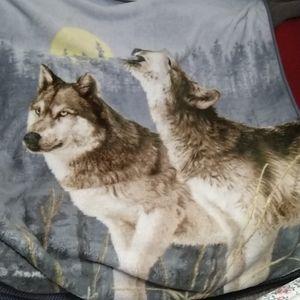 Howl at the moon microfleece blanket/throw